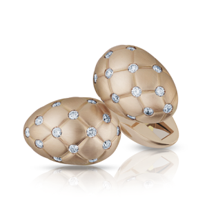 Fabergé lager fremdeles mansjettknapper. Hva med disse i 18 karat gull med hvite diamanter til 60.000 kroner settet? Foto: faberge.com