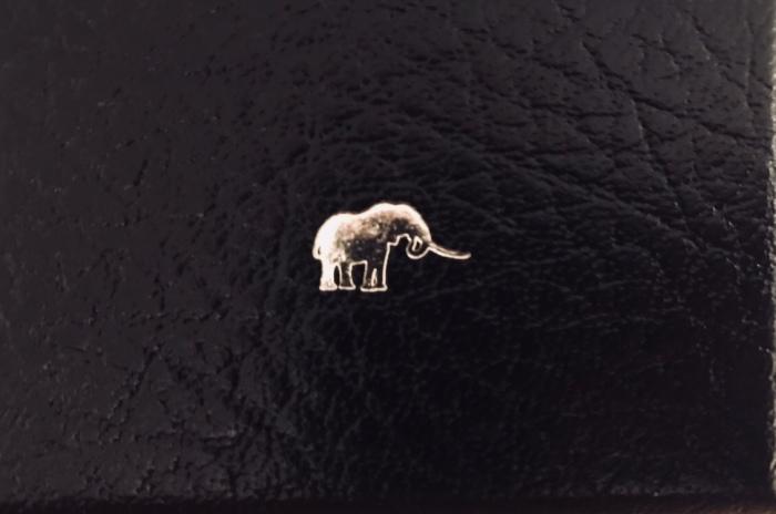 Elefantmansjettknapper fra PatrickMavros